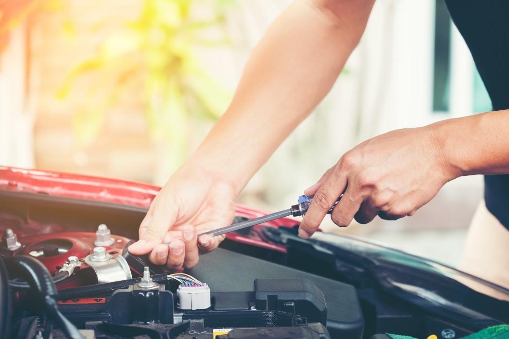 intretinerea bateriei auto
